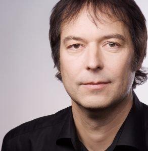 Michael Jogwer: Ehemals Universal Music, Sony Music und Motor Music.